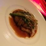 ミツバチ - 牛フィレ肉と大根もちのステーキ 1,380円