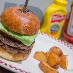 マンチズ バーガー シャック - スタンダードバーガー+お肉増し【2014年5月】