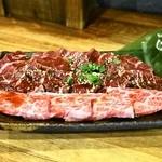ホルモン焼肉 肉の大山 - 三種盛(1,450円)上カルビ、上ロース、上ハラミ