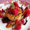 エスカイヤ城門 - 料理写真:いちごホットケーキ[\550]