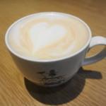 デンマーク・ザ・ロイヤルカフェテラス - 珍しい紅茶のアートです