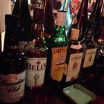 カルカロドン・カルカリィス - ウィスキーが一通り。