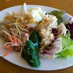 姫蛍 - サラダも美味しくいただきました。