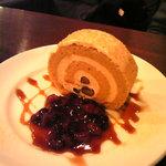 和カフェ yusoshi - 黒糖ロールケーキ