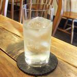 プアハウス - カリラ水割り