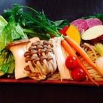 老麻火鍋房 -  『おまかせ10種の野菜盛り合わせ』