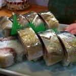 割烹はらだ - 鯖の棒寿司。とても美味しいです。