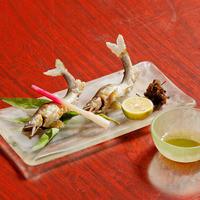 お寿司だけではない豊富な逸品料理をご堪能ください。