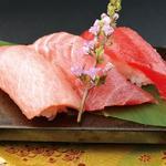 ことぶき寿司 - 料理写真:一皿で3つの新鮮素材を。