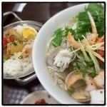 ニャーベトナム - 海鮮のフォーとカレー