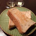 カフェ ルンバルンバ - トースト(300円)