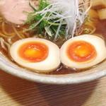 山崎麺二郎 - 追加トッピングの味付け玉子 (100円)  '14 4月下旬
