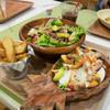 ココロコキッチン - 料理写真:三浦産旬の野菜とマグロのポキボウルとコブサラダ