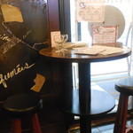 ワインバル 青木酒店 - 二人用の席