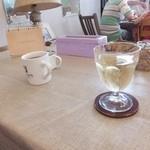LONCAFE - コーヒーと白ワイン