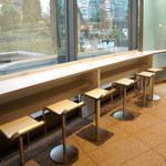 カフェタイム - カウンター席(共有スペース)