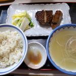 牛舌の店 多津よし - 特製牛タンセット・とろろなし(2000円)