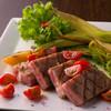 ヴィラ ドゥーエ - 料理写真:たっぷり野菜と味わう、柔らかジューシーな『三重牛ロースト』