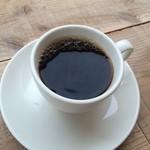 ゼロハチコーヒー - いい雰囲気のカフェでした。コーヒーはこだわりの新豆を浅煎りで。 酸味と甘みが美味しい!
