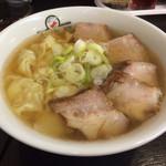 喜多方ラーメン 坂内 小法師 - 喜多方ワンタン麺