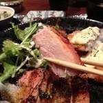 庵菜 - ■若鶏の塩麹焼きはぷりぷりでジューシー、カレー風味が食欲をそそる。