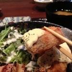 庵菜 - ■鮭フライは、まるでフリットのようにサックサク。