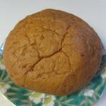 オーガニック広場 ひふみ - べっぴんパンプレーン210円。   原料に玄米や小麦ふすまを使用してあり通常のパンと比較して約2倍の食物繊維が含まれているお腹に優しいパンです。