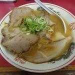 豚菜館 - 味噌 中