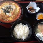 てうり亭 - カツ煮定食 950円