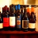 アンティカブラチェリアベッリターリア - カウンターに並んだワイン