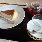 町家紅茶館 卯晴 - チーズケーキセット