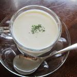いーとん - じゃが芋の冷製スープ 300円
