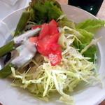 カフェ デ ルース - 地元野菜のサラダ