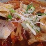 どんぶりかんじょう - 豚バラ肉とからみの効いたスープがおいしそうです