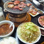 ホルモンセンター天狗家 - 新鮮で量もめちゃ多い! そして七輪で焼いて食べる焼肉って美味しいな~。