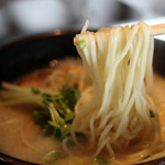 麺 匠仁坊 - 鶏そば(デフォのストレート中太麺)