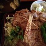 銀座 スウィング - 「生姜焼き重」(800円)。美味いですよ^^