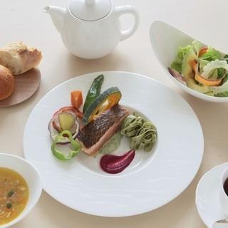 むすびcafé - 料理写真:フレンチAコース1200円+税 お飲物付
