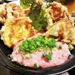 28179921 - 「ネギトロ天丼」1160円(税別)天丼と海鮮の両方を味わいたい方にピッタリです。