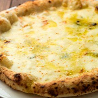 Pizzaモッツァレッラベースクワトロ・フォルマッジ