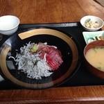 くいもの市場 瀧 - おまかせ海鮮丼