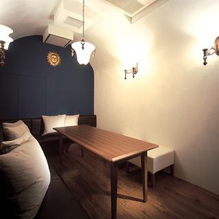 全てが異なるデザインのプライベート個室が20室