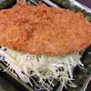 養老乃瀧 - 料理写真:メンチはデカデカ!2人でやっつけるやつです。