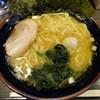横浜家系ラーメン 駒大商店 - 料理写真:ラーメン(普通)650円 2014.6 前回薄く感じたので、濃味・脂多めで注文です。