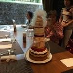 グランカフェ -   45周年記念の45cmタワーケーキに挑戦してきました