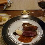 ル・ゴーシュ・セキ - メイン(鴨)と赤グラス,パン14.6