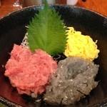 28299135 - 湘南生しらすとネギトロの二色丼@新橋 魚殿