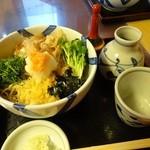 清水 - 料理写真:冷たい海彦そば900円