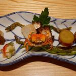 くりた - (撮影 20140616)妻が誕生祝いにと、予約してくれていました。初夏の八寸は日本酒に調度よい。