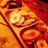 スクリュードライバー - 料理写真:バナナチップス3種類とラムを♪